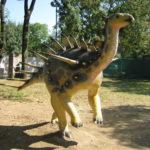 Kentrosaurus running scaled