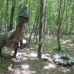 Oviraptor in the forest